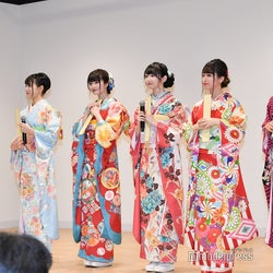 (左から)蟹沢萌子、菅波美玲、谷崎早耶、佐々木舞香、大場花菜 (C)モデルプレス