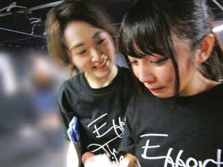 生駒里奈、涙の後輩メンバー与田祐希を励ます様子に「エモすぎる!」「感涙」の声<乃木撮先行カット>