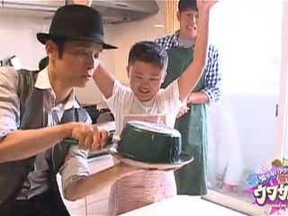 辻仁成、ハイクオリティすぎると話題のお弁当レシピを子どもに教える