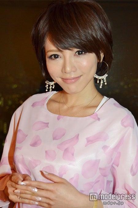 「Rady」のイメージモデルに起用された釈由美子