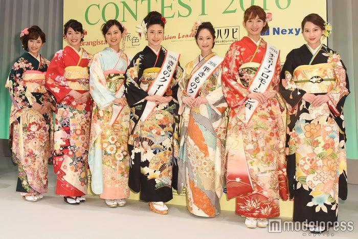 (左から)花岡なつみ、小澤奈々花、葛谷まりん、松田和佳、芹川有里、上運天美聖、河北麻友子(C)モデルプレス