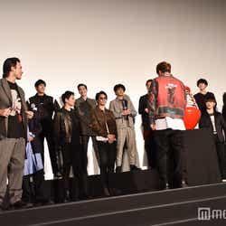 「達磨」と聞いて飛び出す小澤雄太(左)/(C)モデルプレス