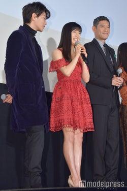 佐藤健、土屋太鳳、杉本哲太 (C)モデルプレス