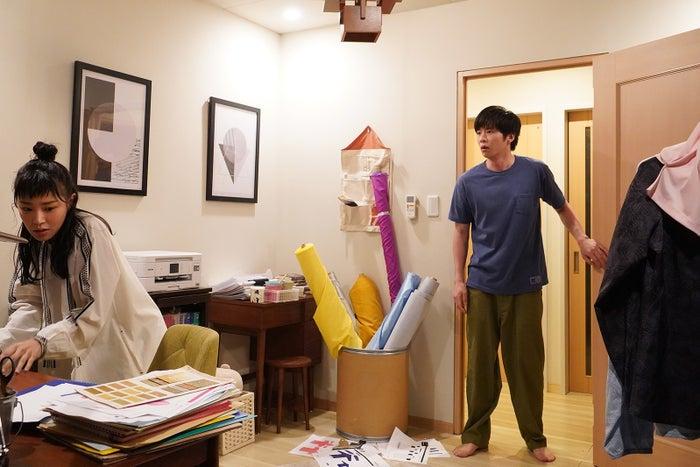 奈緒、田中圭/「あなたの番です」第12話より(C)日本テレビ