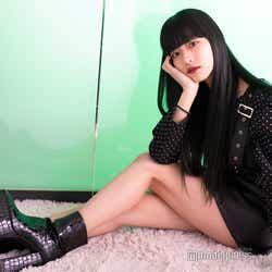 ファッションにも注目が集まっているHina (C)モデルプレス
