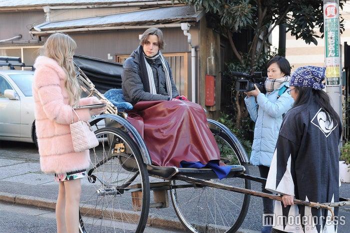 「Friend-Ship Project 初恋△トライアングル~あのコは何でニッポンに?~」のワンカット(C)テレビ東京