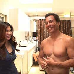 日本人妻・ミワさんと夫・カーターさん/画像提供:毎日放送