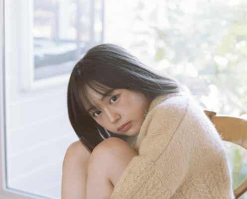 """""""いま日本の女の子が一番なりたい顔""""なえなの、ゆるふわニットコーデで美脚披露 初の自伝フォトエッセイ決定"""