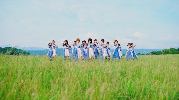 ダンスシーンAKB48「サステナブル」MV(C)AKS/キングレコード