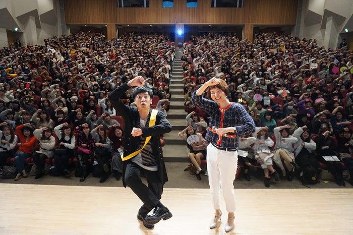 生田斗真(左)が登場したイベントの模様(C)NHK
