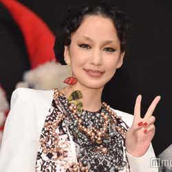 モデルプレス - 中島美嘉、美人姉との2ショット公開「目がそっくり」「最強遺伝子」と反響