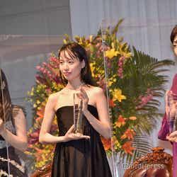 森七菜、戸田恵梨香、斉藤由貴(C)モデルプレス