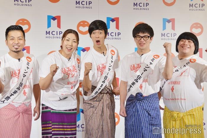 (左から)アーキー、緑川まり、遠藤逸人、阿部直也、おきる (C)モデルプレス
