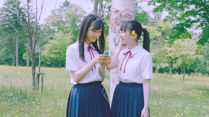 小栗有以、田中美久 2009年(大ブレイク前夜)AKB48「サステナブル」MV(C)AKS/キングレコード