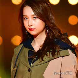 モデルプレス - 「世界で最も美しい顔100人」ノミネートのNiki(丹羽仁希)、秋の旬コーデでクールに<TGC2018A/W>