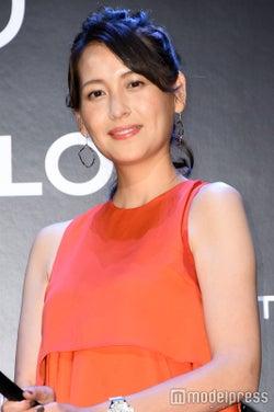 青木裕子、第2子出産後初の公の場 夫・矢部浩之のイクメンぶり明かす