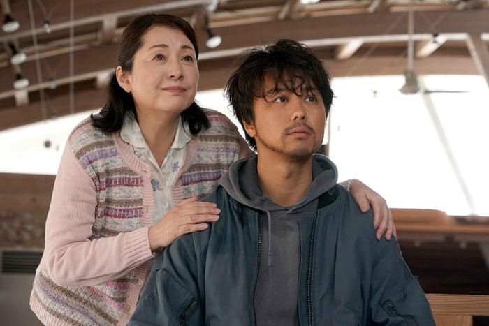 松坂慶子、TAKAHIRO(C)2019「僕に、会いたかった」製作委員会