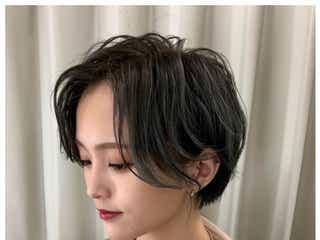 山本彩、アッシュグレー髪にイメチェン「かっこかわいい」「似合う」と絶賛の声