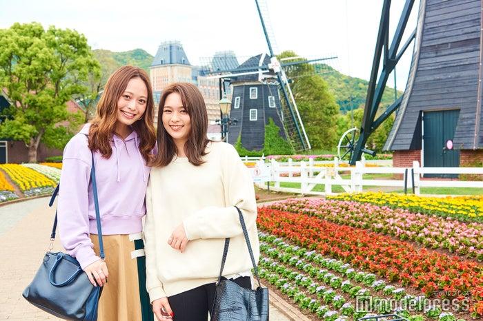 長崎「ハウステンボス」を1泊2日でたっぷり満喫!女子旅散策コース/左から:榊本麻衣、古川貴絵(C)モデルプレス