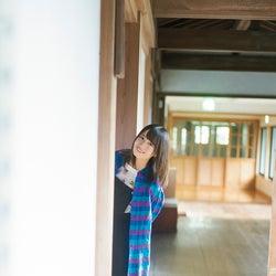 """日向坂46小坂菜緒""""ひょっこり""""笑顔にキュン"""