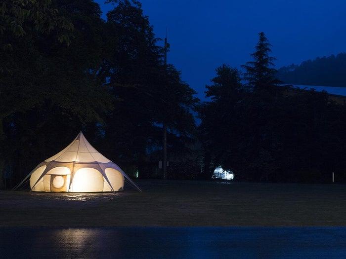 幻想的な雰囲気のグランピングテント (提供写真)