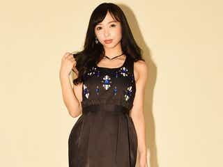 ブレイク候補美女・鶴巻星奈、SEXY網タイツ姿で悩殺 圧巻の歌声披露