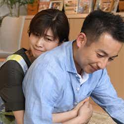 内田有紀、坪倉由幸/「わたし、定時で帰ります。」第8話より(C)TBS