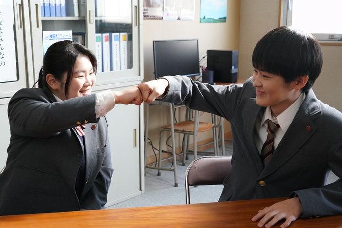 富田望生、望月歩/「3年A組 ―今から皆さんは、人質です―」第7話より(C)日本テレビ