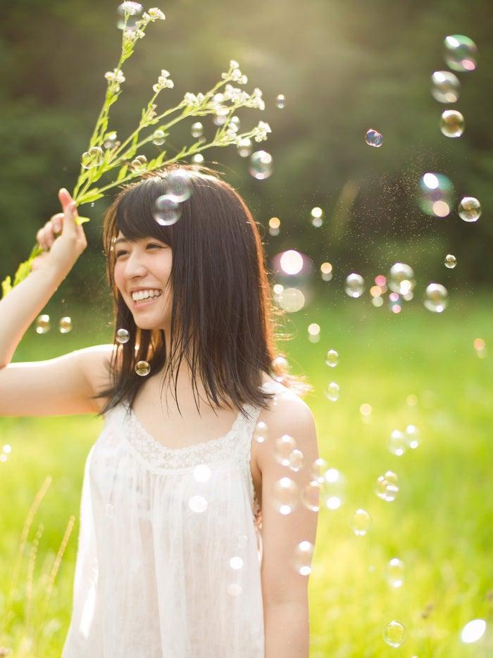 今回到着カット♪長濱ねる1st写真集『ここから』(講談社・12月19日発売)/撮影:細居幸次郎