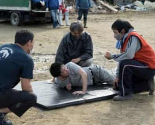 佐藤健の顔が泥水に…!『護られなかった者たちへ』メイキング映像