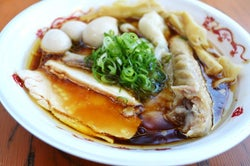 横浜赤レンガ倉庫で「KANAGAWAラーメンフェス」濃厚豚骨&海鮮など15ブランド集結【出店一覧】