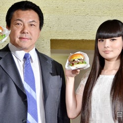 人気モデル、元千代の富士の父と親子初共演 段取り無視で食べまくり