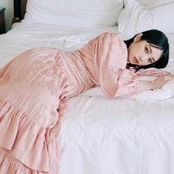 乃木坂46与田祐希、等身大の美しさで魅了 美の秘訣明かす
