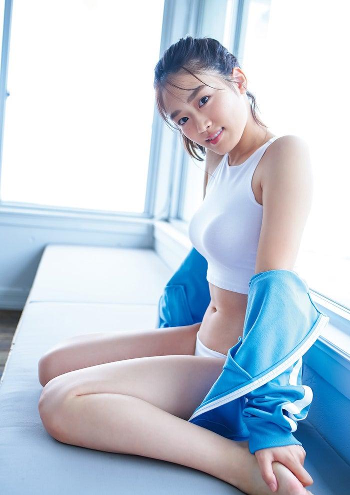 清水綾乃(C)岡本武志/集英社
