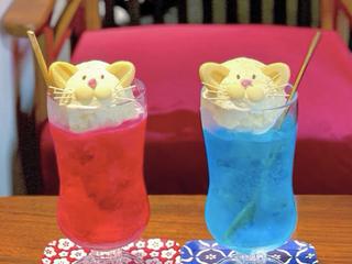 癒しのにゃんこクリームソーダ。京都「うたねこ堂」はねこ好きの聖地