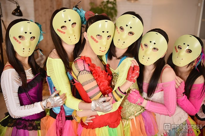 """仮面女子にとって""""仮面""""とは?(左から)月野もあ、桜のどか、立花あんな、澤田リサ、神谷えりな、窪田美沙"""
