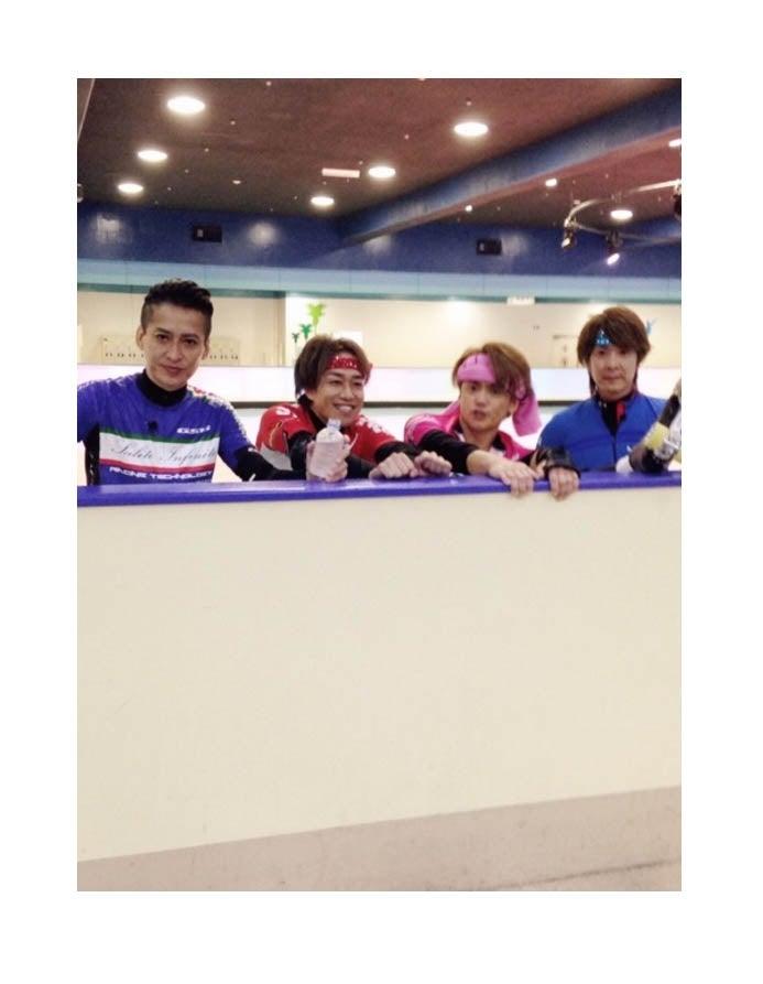 元光GENJIメンバーの集合ショット(左から)大沢樹生、山本淳一、諸星和己、佐藤寛之/オフィシャルブログ(Ameba)より