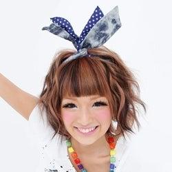 4号連続表紙の人気モデル、NHK「Rの法則」でその魅力に迫る