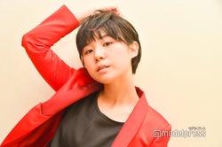 """吉本坂46""""オシャレすぎる女芸人""""光永、MVで見せたパフォーマンスが話題「このグループは化ける」<RED・MV撮影密着インタビュー4>"""