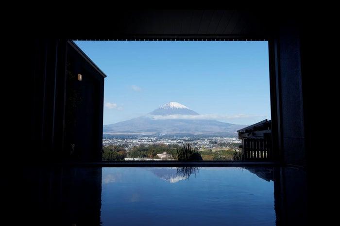 「大湯」から見た富士山/画像提供:小田急リゾーツ