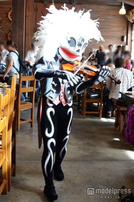 ミュージシャンのスケルトン(写真は2013年の物)