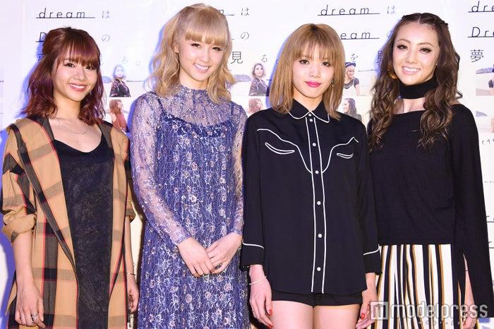 (左から)Aya、Ami、Erieさん、Shizuka/2016年12月撮影 (C)モデルプレス
