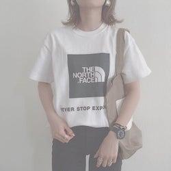 【THE NORTH FACE(ザ・ノース・フェイス)】のロゴをカジュアルに効かせて! スポーティなTシャツ&トートバッグコーデ8選♥