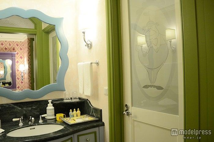 ディズニーふしぎの国のアリスルームのバスルーム