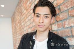 モデルプレスのインタビューに応じた三浦翔平(C)モデルプレス