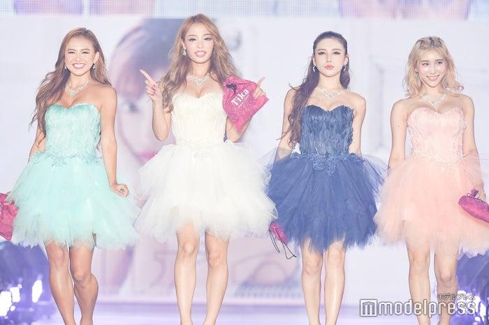 (左から)KAREN、RiRi、MIRIN、REONA(C)モデルプレス