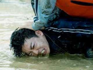 佐藤健、泥水に押し付けられ「ふざけんな」と叫ぶ!『護られなかった者たちへ』特別映像