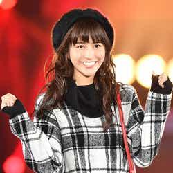 モデルプレス - 欅坂46土生瑞穂、2度目の「ガルアワ」で笑顔はじけるキュートなランウェイ<GirlsAward 2016 A/W>