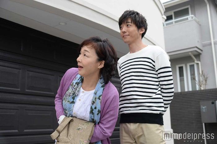 キムラ緑子、高橋一生/『僕のヤバイ妻』より(画像提供:関西テレビ)