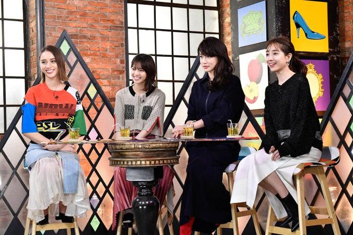 (左から)滝沢カレン、西野七瀬、長谷川京子、田中みな実(写真提供:カンテレ)